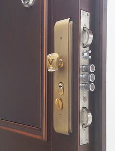 steel security doors with multipoint locking system